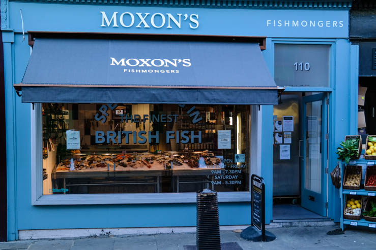 Moon's Fishmonger in Angel Islington