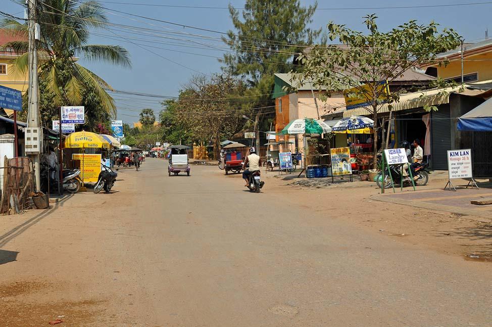 CambodiaStreet-min
