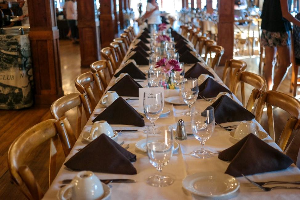 High Hampton Inn: the dining room, set for breakfast