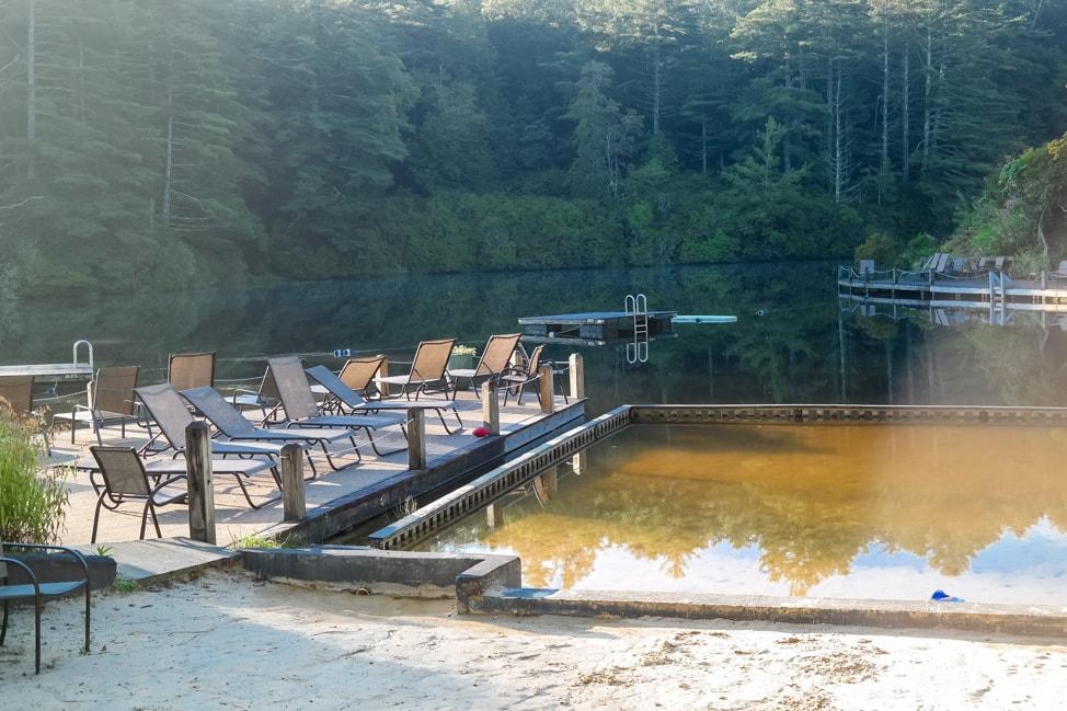 High Hampton Inn: the lake