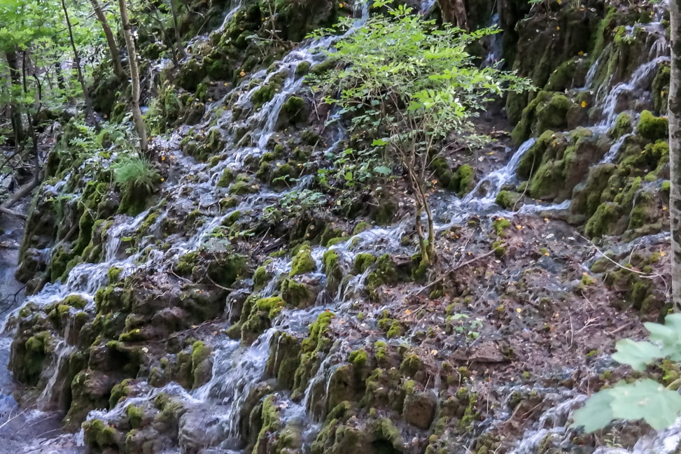 Visiting Plitvice Lakes: one of the small waterfalls