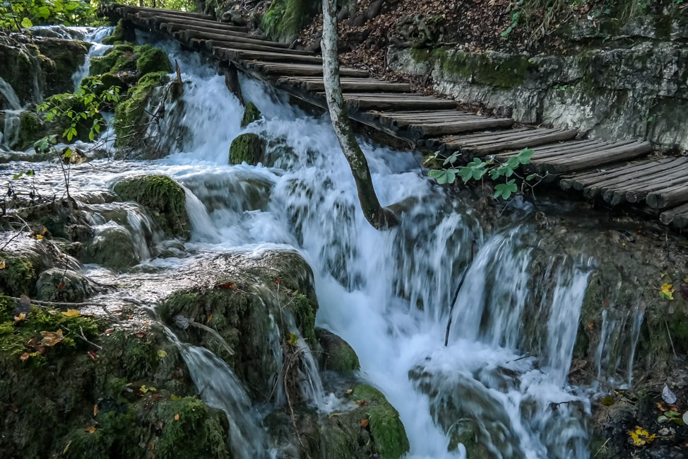 Visiting Plitvice Lakes: A wooden walkway through the park