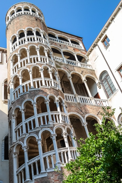 Venice Walking Tour: Crazy spiral staircase near St. Mark's