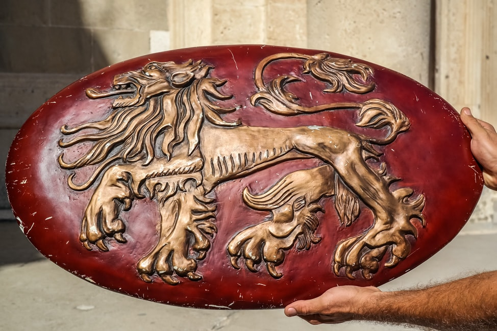 Dubrovnik Game of Thrones Tour: replica shield from the show