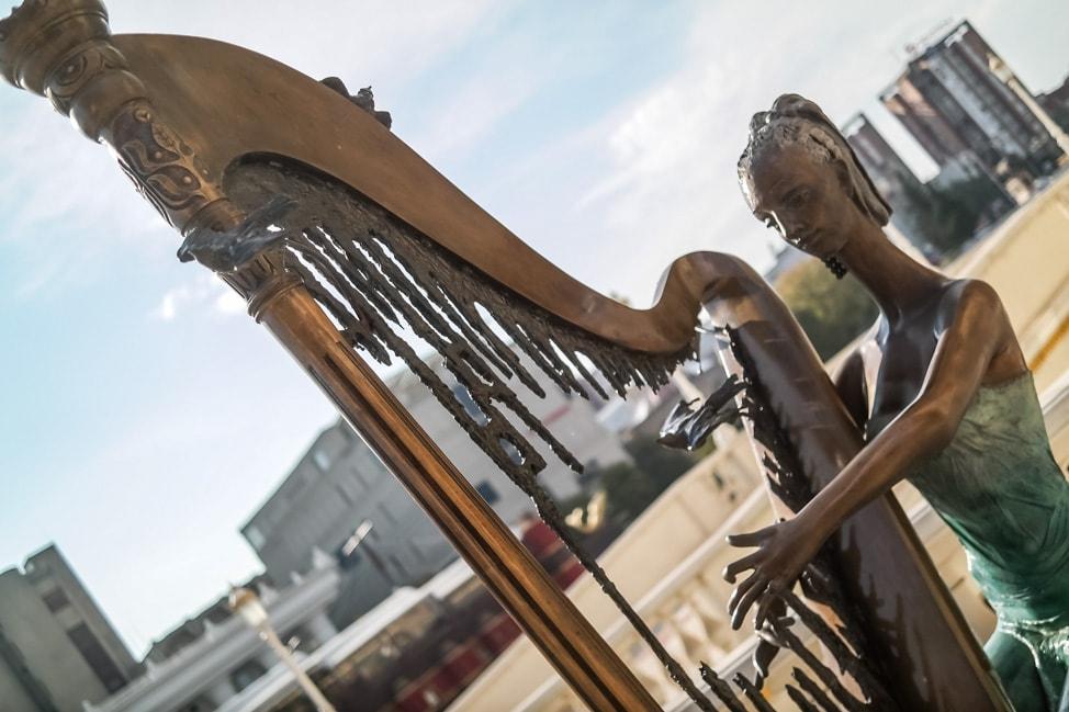 skopje 2014 theater harp statue
