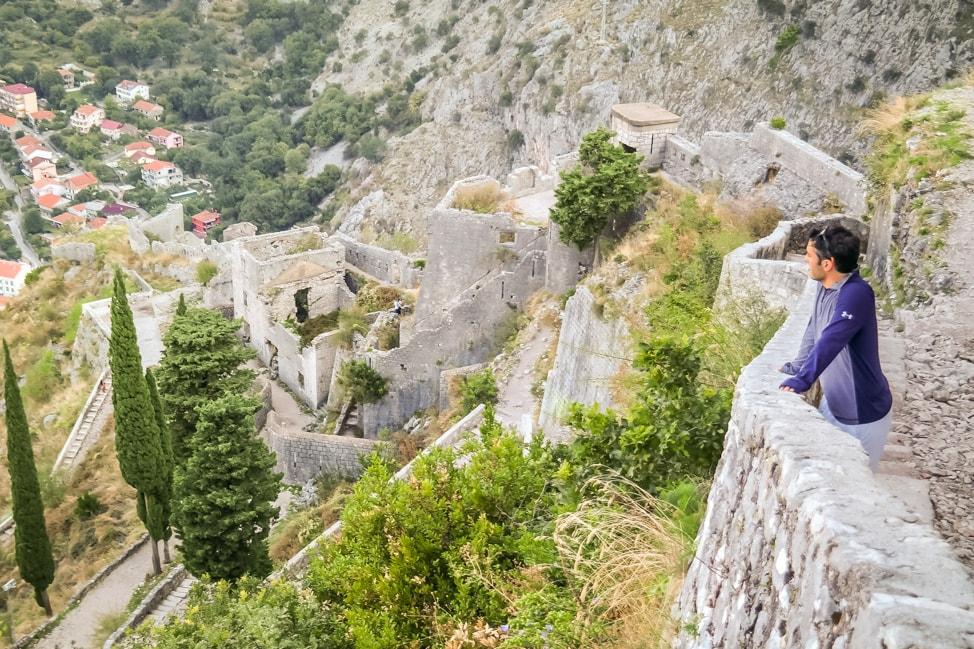 hiking in italy drew overlook