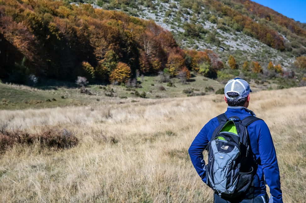 hiking in italy drew and backpack