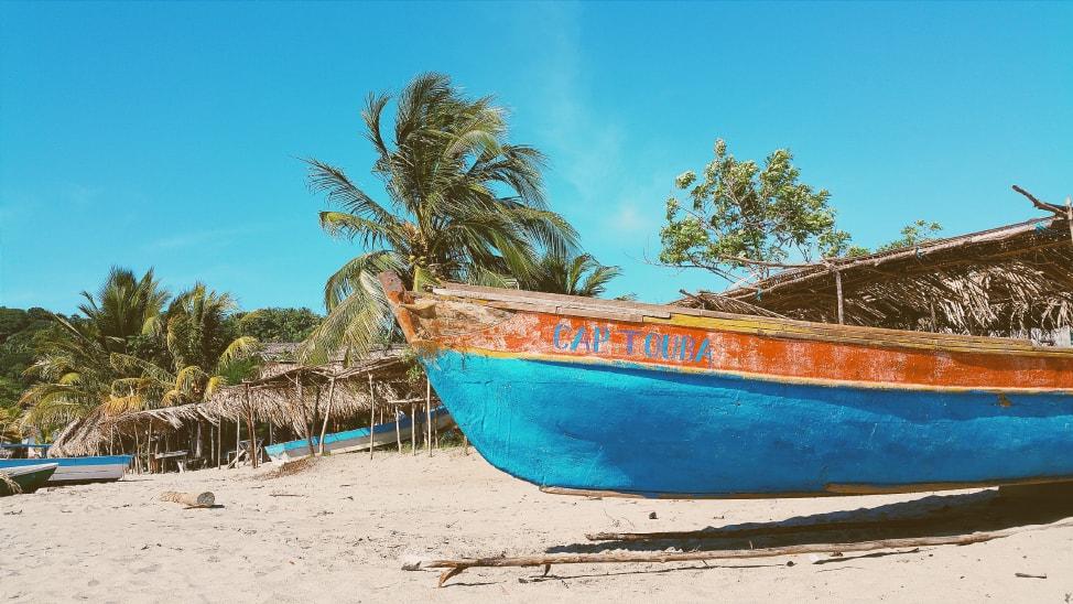 canoe-min