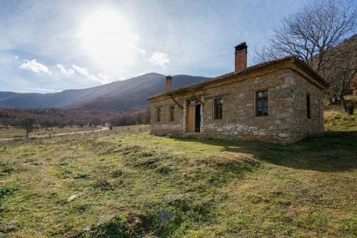 Airbnb tips: You can stay safe and enjoy a beautiful country cottage in Greece