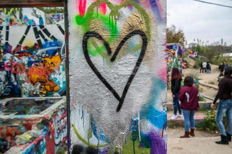 austin city heart spray paint