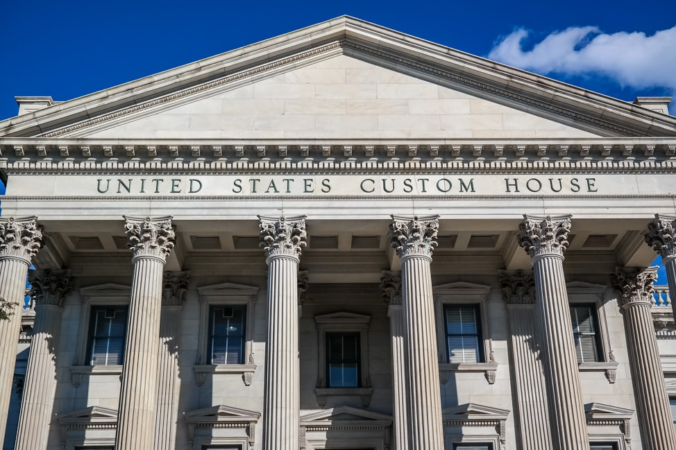 best things to do in charleston the custom house in charleston
