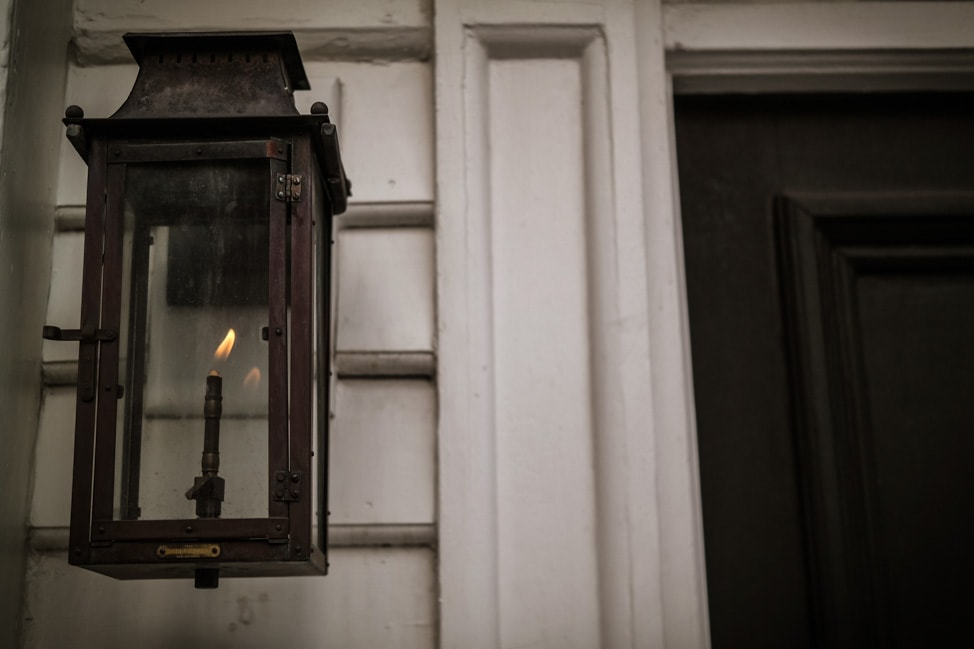 best things to do in charleston many of the houses are still lit by gas lamp
